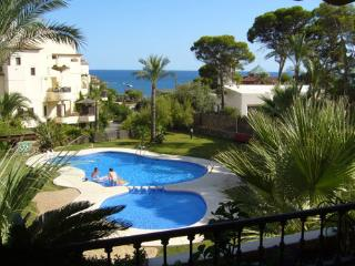 Villa Gadea apartment short stroll to the beach - BV