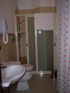 Bagno privato con doccia in ogni camera