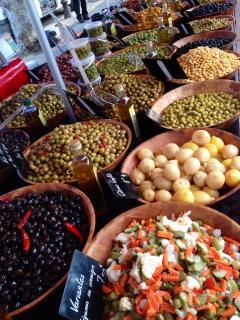 Saint Chinian's famous Sunday market