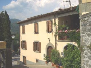 Villa Speranza front view with first floor sun terrace