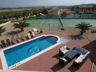 Casa Tianah - 3 bed luxury villa with own private pool and own tennis court