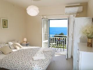 Apartment Lucy sleeps 4, sea view