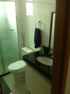 Banheiro com armário (social)