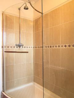 Walk-in shower in master Bedroom en-suite