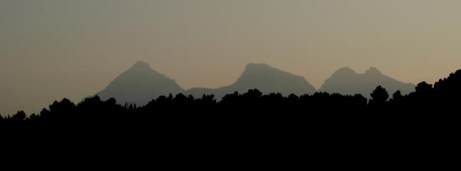 Sunset view of mountans from the terraza