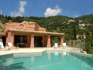 Spacious Villa In Agni, short walk from the beach!, Corfú