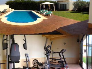 Chalet con Gimnasio y piscina Villa El Montañes, Conil de la Frontera