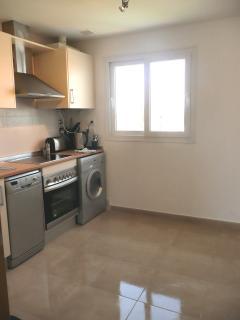 Fully equipped kitchen, dishwasher, washing machine etc