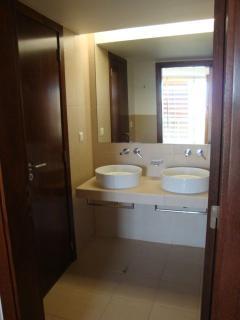 Master Bedroom Ensuite with Bath & Shower
