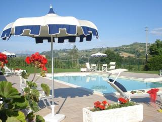 Apartment of Flowers, Montalto delle Marche