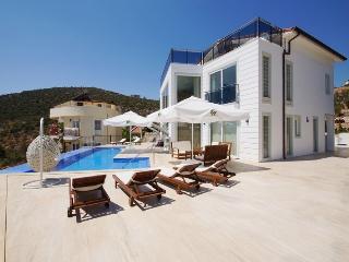 Sunshine Villa 6 Bedrooms (Discount Avaliable), Kalkan