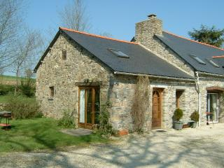3 bed cottage with garden. Ask for late discounts, Plouguernevel