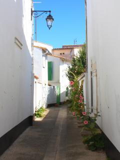A typical street in La Flotte