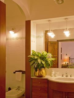 'Orchidee Suite' bathroom
