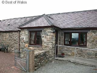 Beudy'r Garnedd: Panoramic Snowdonia views - 24249