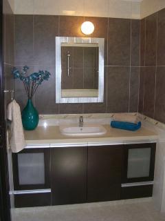 Master bedroom vanity unit