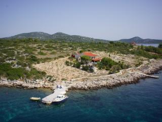 Villa Pauk, Zizanj Island