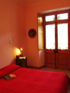 Camera doppia con letto matrimoniale