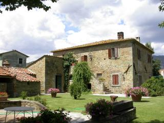 Villa la Bozza cou ntru Tuscan house with pool