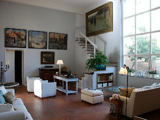 Luxury Florence apartment, with private garden and easy parking