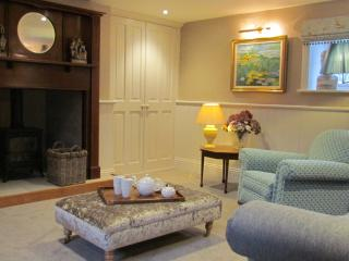 Mr Ralphs Cottage - Cosy cottage for 2 with south facing garden.