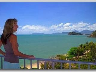 MILLION DOLLAR OCEAN VIEWS GUARANTEED - Gateway to the Reef -Absolute Beachfront, Trinity Beach