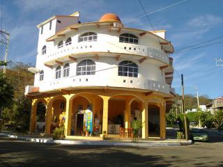 HOTEL 'CRUZANTA' CATEGORIA  TRES ESTRELLAS, Huatulco