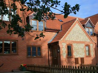 Kia Ora House, lovely self catering cottage, Mundesley