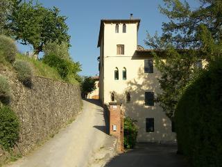 Villa Mario, exclusive property  b/w Florence&Pisa