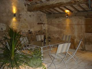 Stylish Village House with Garden and Terrace - Le Jardin Secret - Marseillan