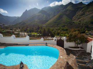 The best natural place to stay in Gran Canaria. Gran Villa Asomadita.