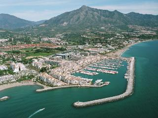 Luxury apartments in the Puerto Banus center