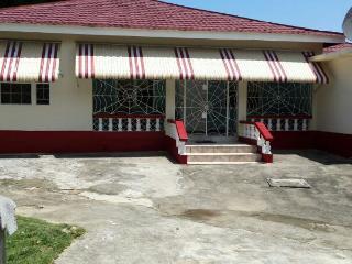 3 bed luxury house, Runaway Bay