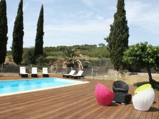 Mas de Thau - Grenache. Family gite with 3 pools