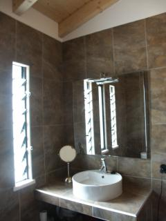 The en suite bathroom