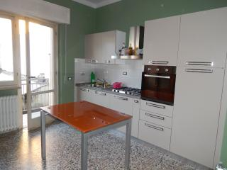 Tuscan holiday apartment rental in Viareggio with private balcony