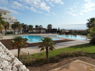 Sea View Luxury Apt, Superb Lisbon Coast Location, Cascais