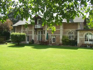 Large Country House with Ground Floor Bedroom & Bathroom