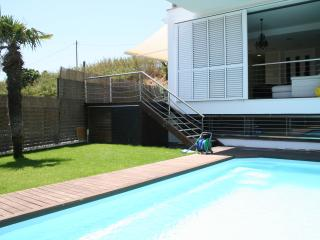 New modern villa with pool, Pineda de Mar