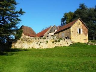 LA TOUR DE PEYGUILHEM, Castels