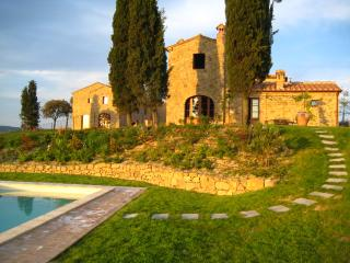 Quintessential three bedTuscan villa with larg, Montisi