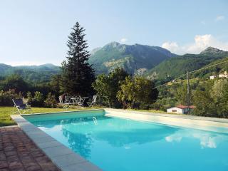 Natalina, prvt.pool, treehouse, wi-fi, free wine, Villa Collemandina