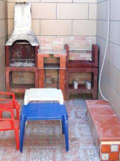 doppio barbecue nell'area posteriore esterna