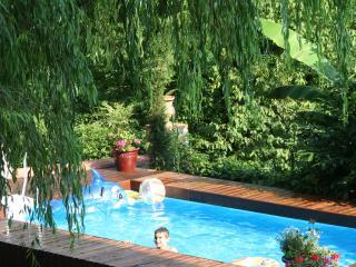 Villa Rossa's private pool open April to October