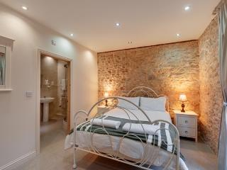 King bedded room with ensuite