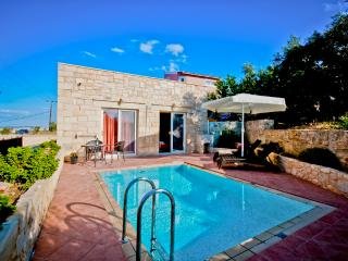 Stone House with Private Pool, La Canea
