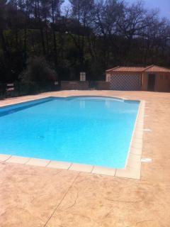Maison dans résidence piscine