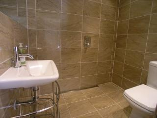 LUXURY 3 BEDROOM GARDEN APARTMENT, Glasgow