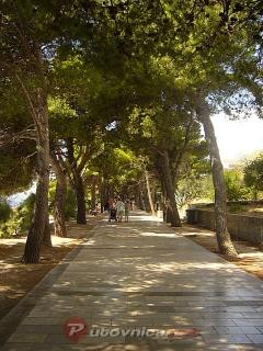 marble-paved walking path only 50 m from the house