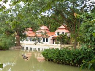 Kinkala 2-Bedr. Garden Apt. 1, Chiang Mai